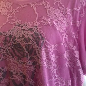 Derek Heart Plus - Pink lace front skull T-shirt